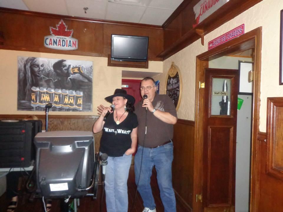 Karaoke Nite !! Evie & Big Steve